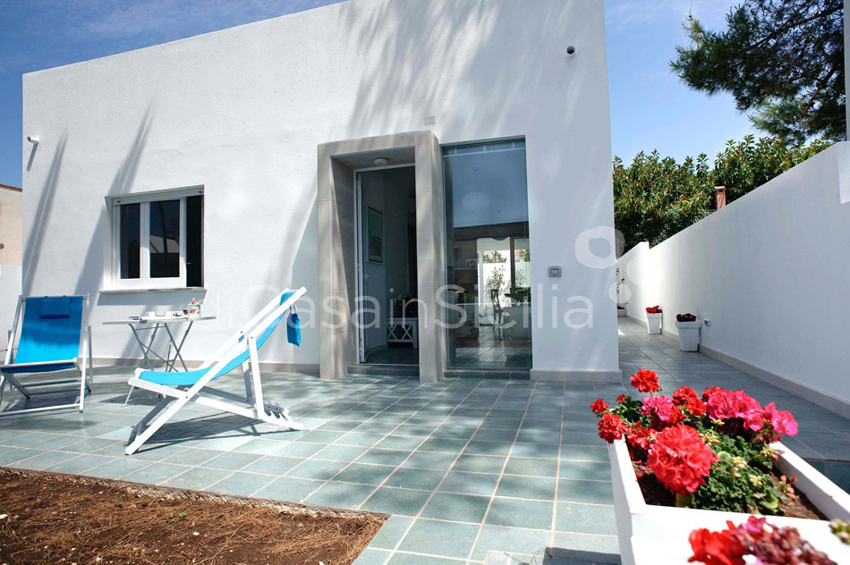 L'Aura di Mare Villa close to the Beach for rent near Modica Sicily - 1