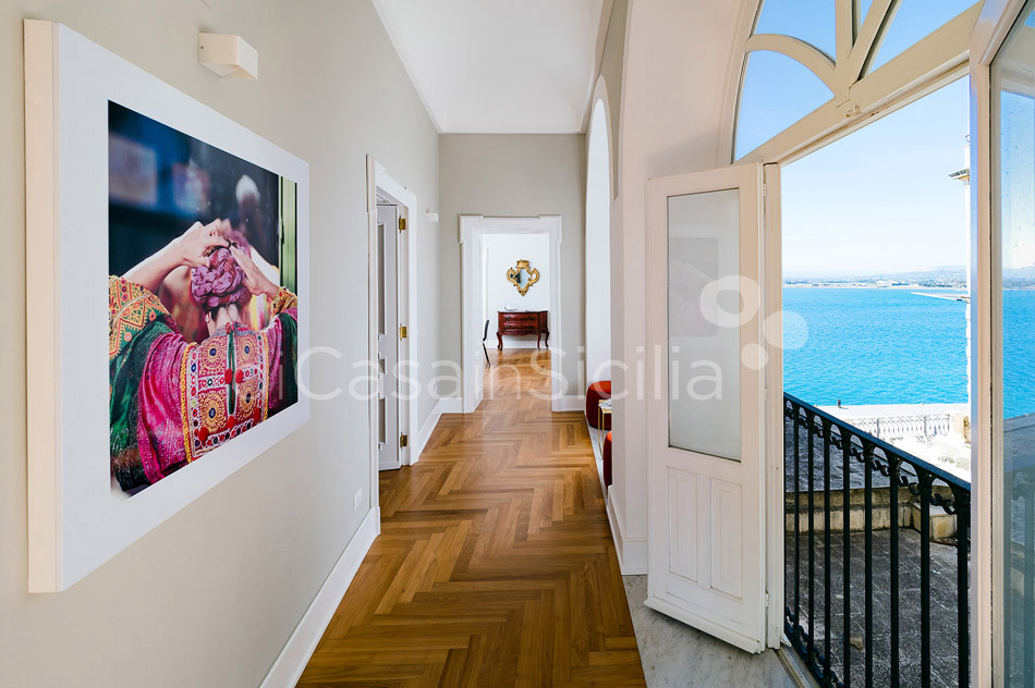 Duomo Suite Luxury Seafront Apartment for rent in Syracuse Sicily - 16
