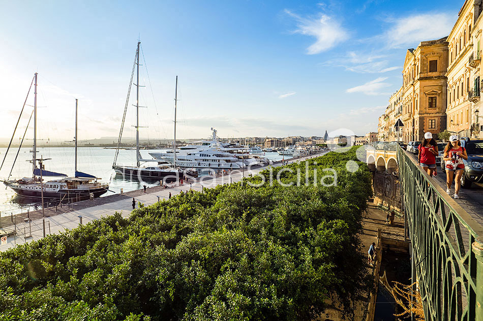 Duomo Suite Luxury Seafront Apartment for rent in Syracuse Sicily - 34