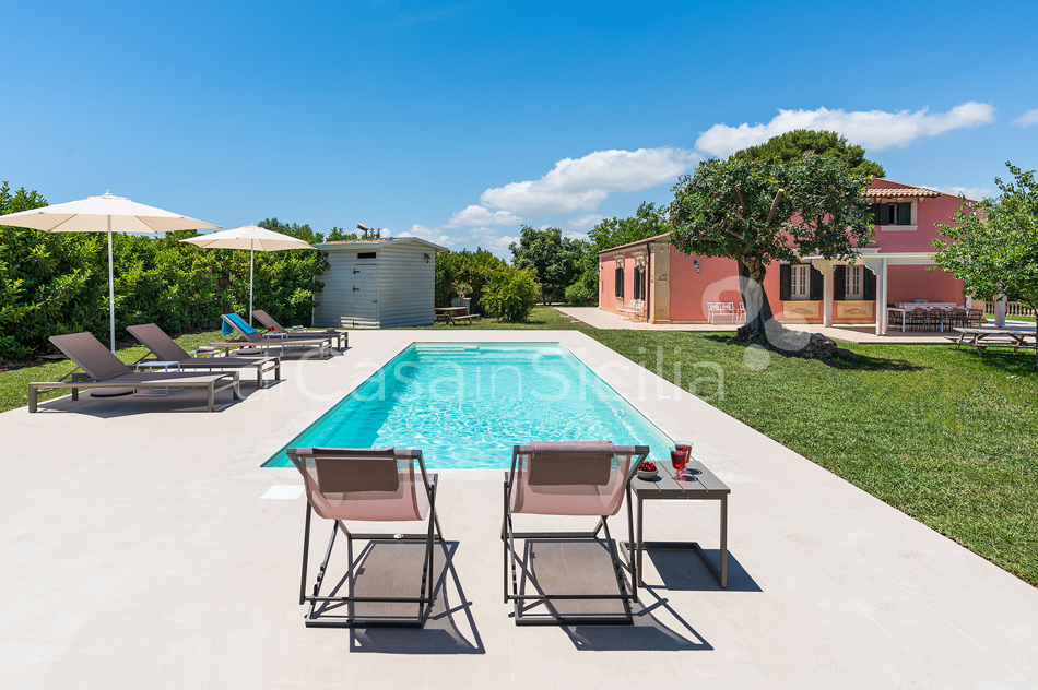 Gira Sole Sicily Villa Rental with Pool by the Beach Fontane Bianche - 2
