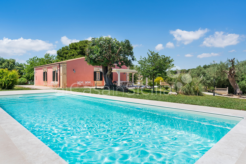 Gira Sole Sicily Villa Rental with Pool by the Beach Fontane Bianche - 4