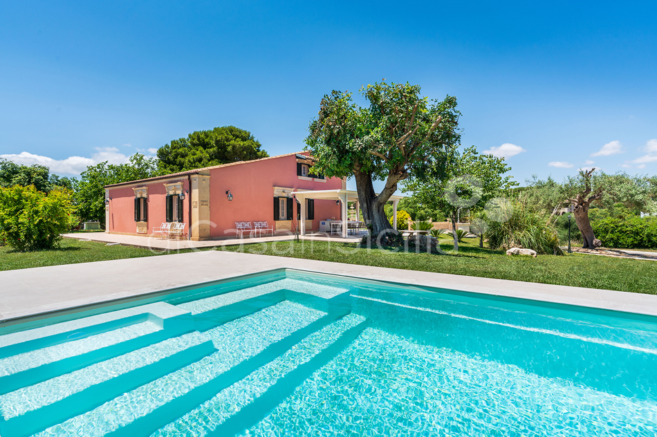 Gira Sole Sicily Villa Rental with Pool by the Beach Fontane Bianche - 5