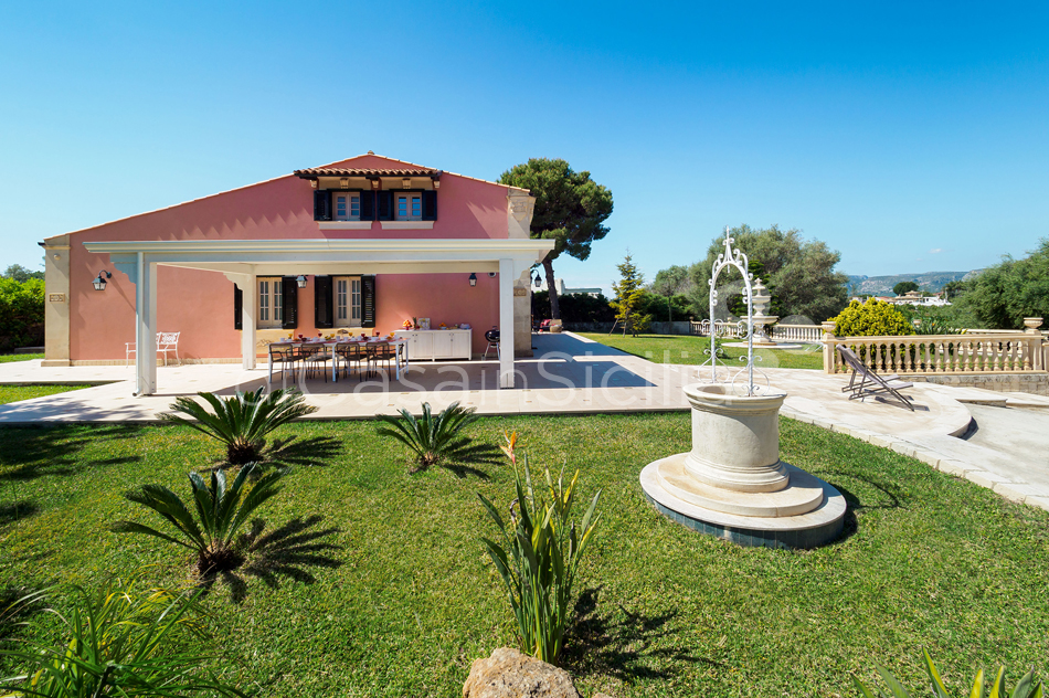 Gira Sole Sicily Villa Rental with Pool by the Beach Fontane Bianche - 10