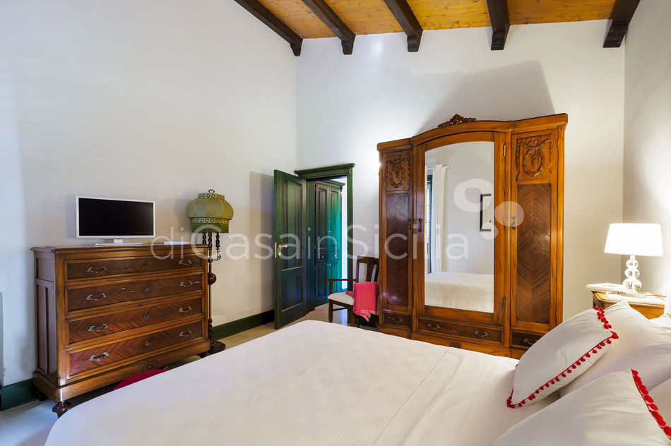 Gira Sole Sicily Villa Rental with Pool by the Beach Fontane Bianche - 33