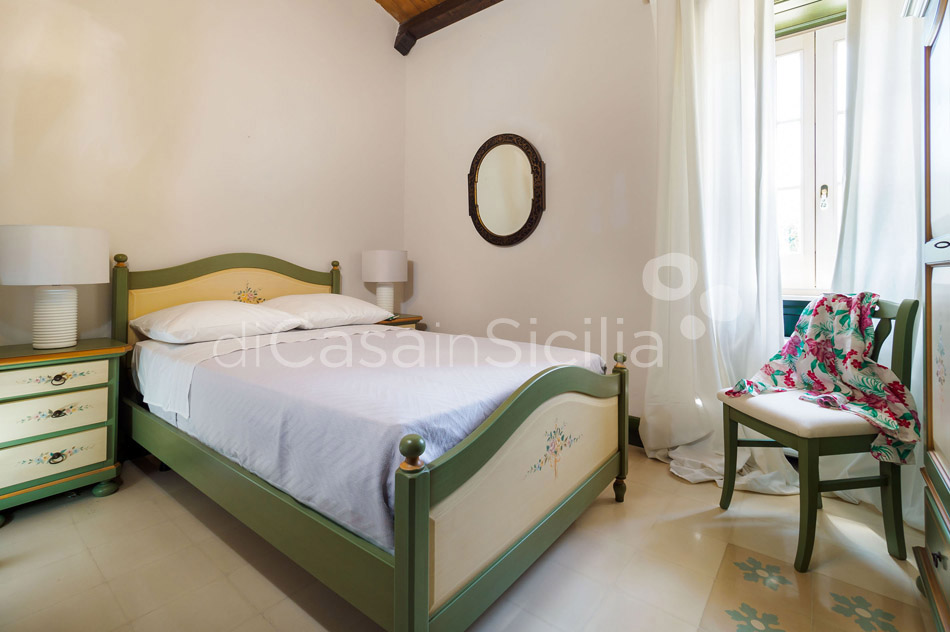 Gira Sole Sicily Villa Rental with Pool by the Beach Fontane Bianche - 39