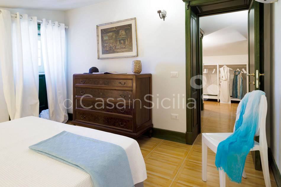 Gira Sole Sicily Villa Rental with Pool by the Beach Fontane Bianche - 44