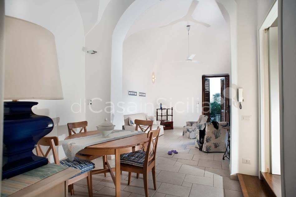Case fronte mare nei borghi della Riviera Ionica|Di Casa in Sicilia - 1