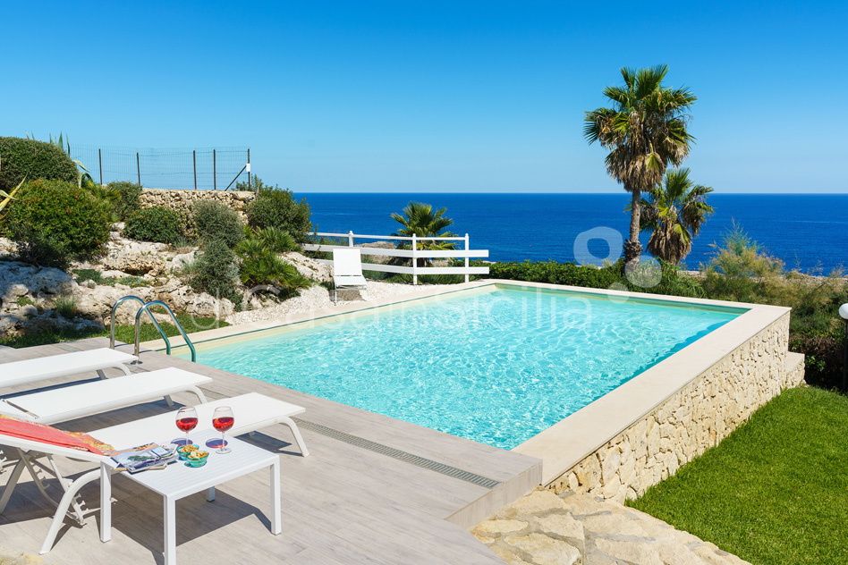 Villa del Mito Seafront Villa Rental with Pool near Syracuse Sicily - 9
