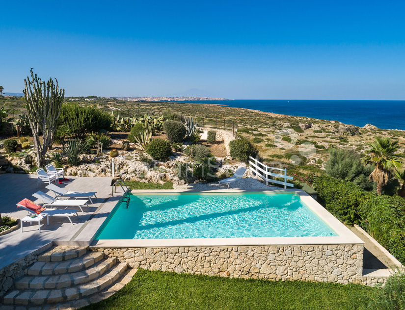 Villa del Mito Seafront Villa Rental with Pool near Syracuse Sicily - 14