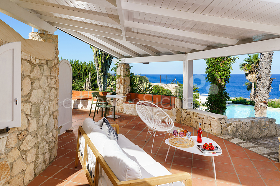 Villa del Mito Seafront Villa Rental with Pool near Syracuse Sicily - 60