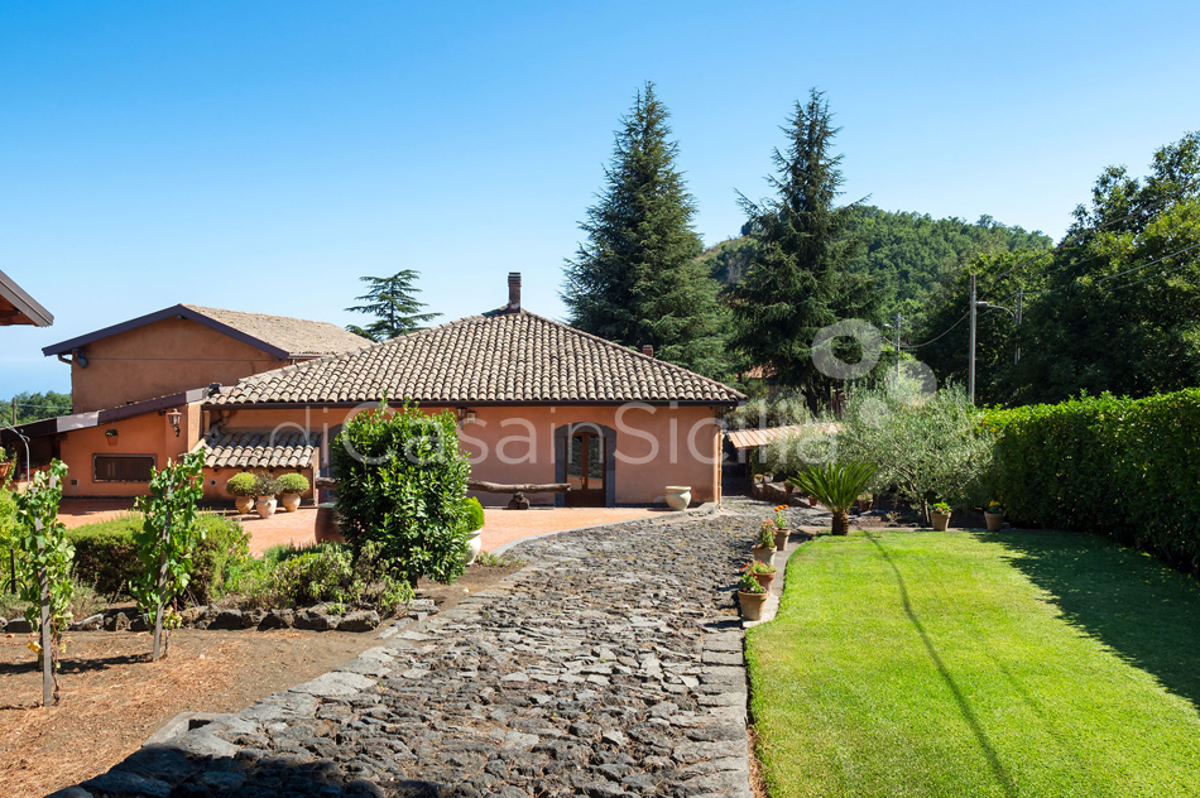Palmento La Rosa Sicily Villa Rental with Pool Trecastagni Mount Etna - 13