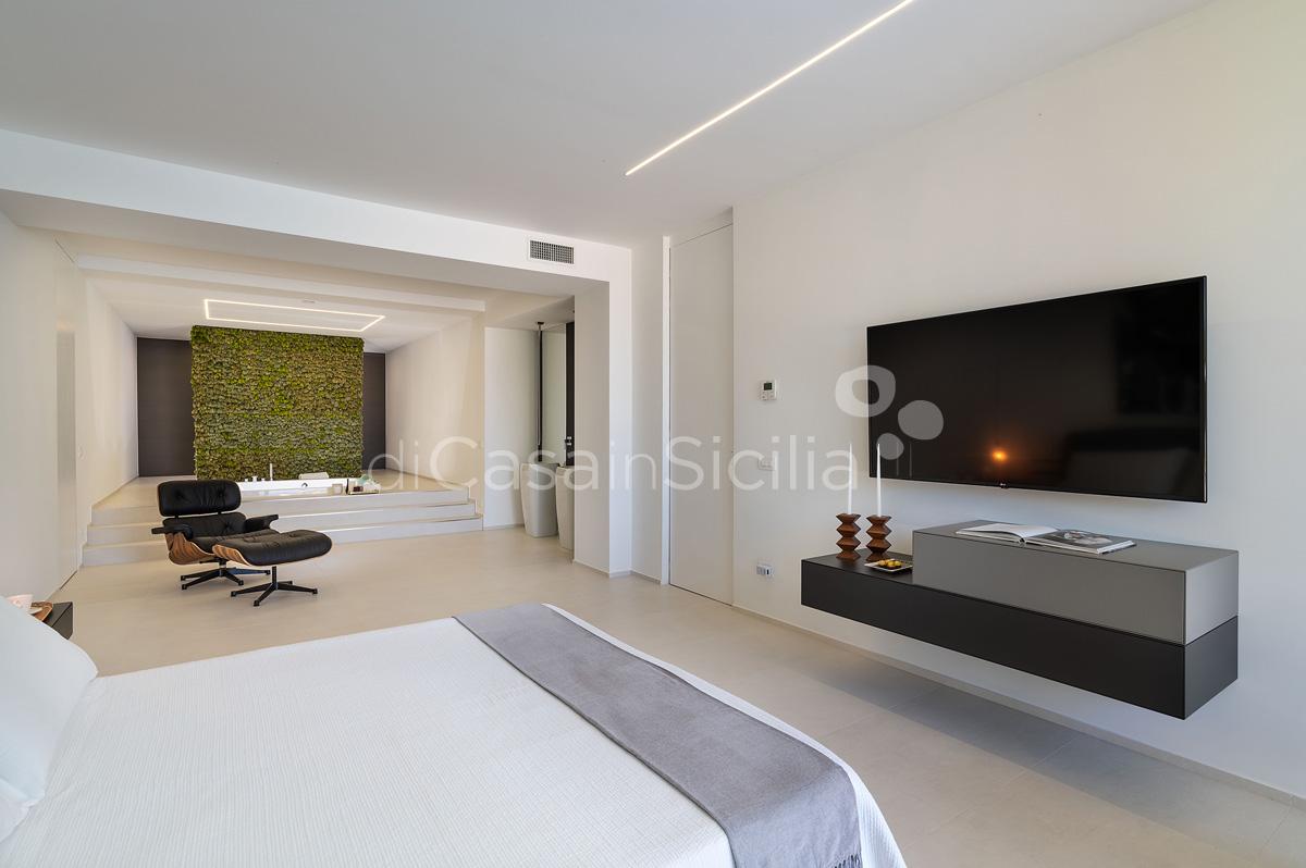 Villa Greta Luxury Villa with Pool and Garden near Taormina Sicily  - 32