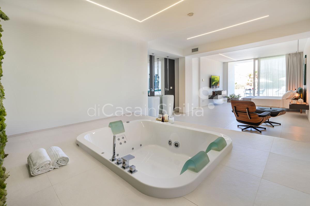 Villa Greta Luxury Villa with Pool and Garden near Taormina Sicily  - 34