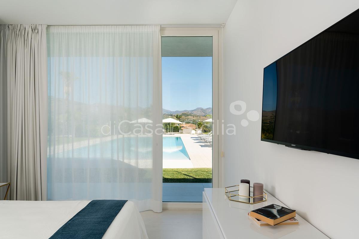 Villa Greta Luxury Villa with Pool and Garden near Taormina Sicily  - 36