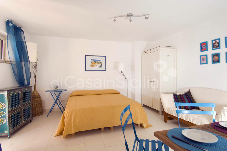 Costa Bianca Ferdinando Seafront House for rent Syracuse Sicily - 23