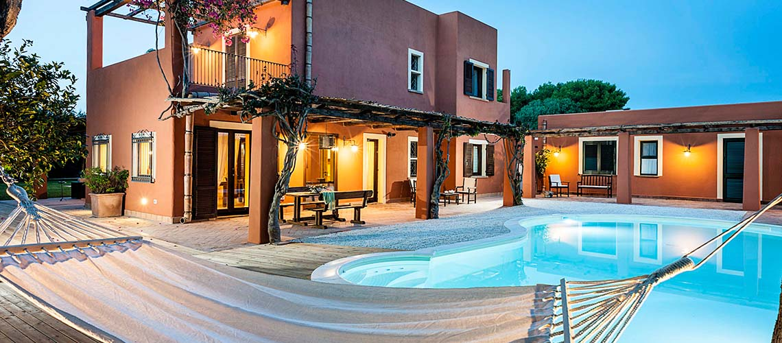 Arangea Familienvilla mit Swimmingpool zur Miete in Marsala Sizilien - 0