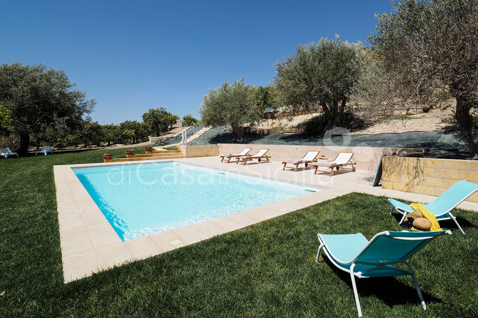 Helorus Nocellara Country Apartment with Pool for rent near Noto - 3