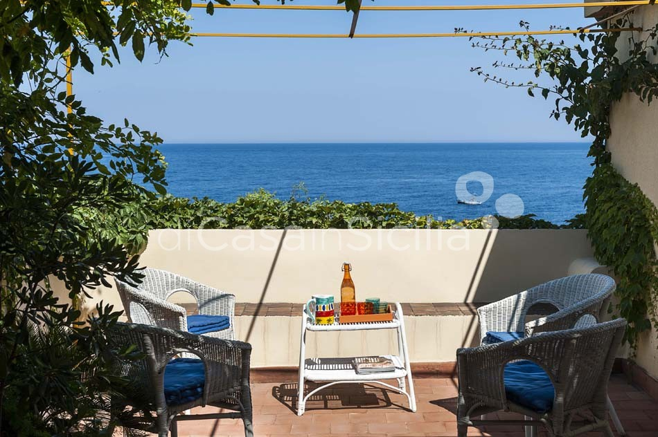 Sea-front homes in authentic fishing village, Ionian Riviera|Di Casa in Sicilia - 2