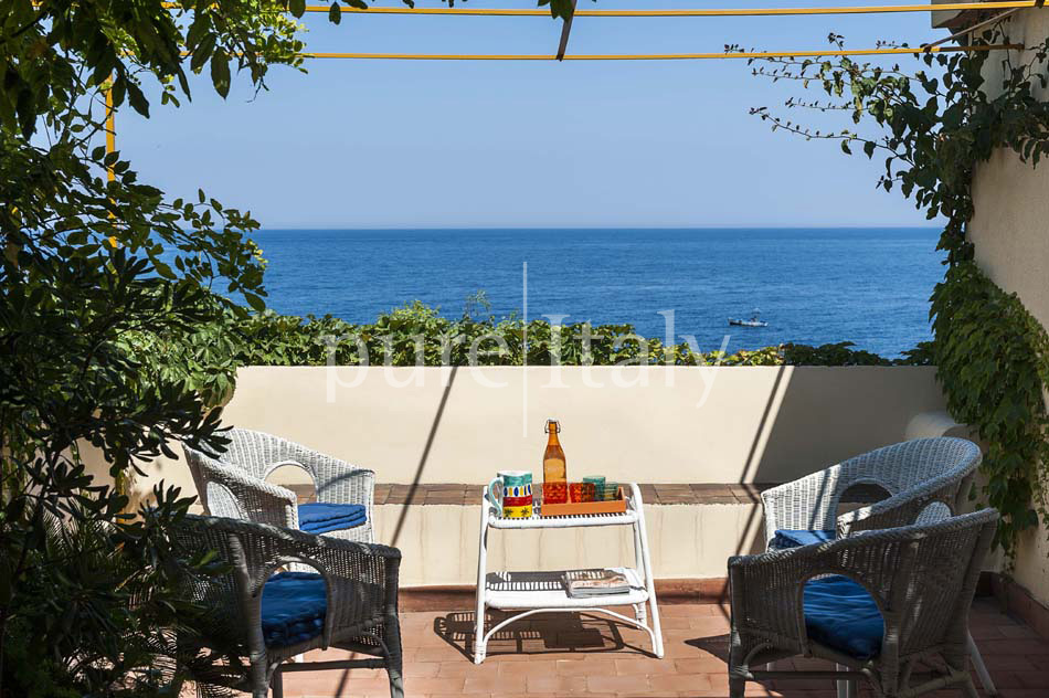 Holiday homes on the seafront on Sicily's east coast |Pure Italy - 11