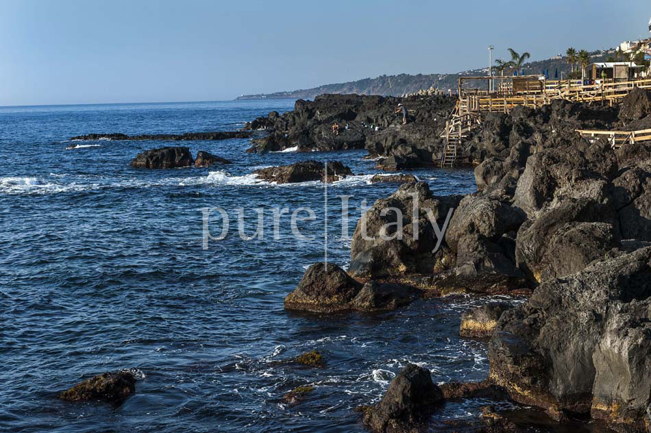 Holiday homes on the seafront on Sicily's east coast |Pure Italy - 31